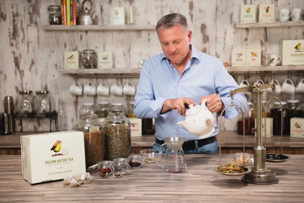 Delion gyógynövény teakeverék készítés
